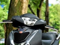 """Video: Đánh giá xe Honda SH 125 CBS sau 19.000 km """"lăn lộn"""" trên đường: Sang chảnh, bền bỉ nhưng hơi """"xóc"""""""