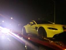 Cảnh sát Canada tạm giữ siêu xe Aston Martin Vantage vì chạy quá tốc độ