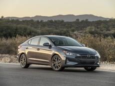 Đánh giá nhanh Hyundai Elantra 2019: Thiết kế táo bạo hơn, trang bị an toàn hơn