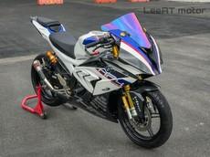 Choáng ngợp trước vẻ đẹp Yamaha R15 lên dàn áo siêu phẩm BMW HP4 Race của thợ độ Việt