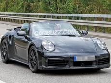 Porsche 911 Turbo Cabriolet thế hệ mới bị bắt gặp ngoài phố lần đầu tiên