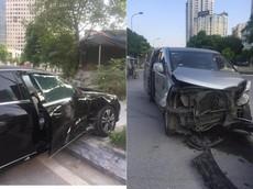 Hà Nội: Mercedes-Benz E-Class hư hỏng nặng khi bị Hyundai Starex tông vào bên hông xe