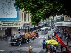 Đoàn xe tiễn đưa linh cữu Chủ tịch nước Trần Đại Quang về với đất mẹ