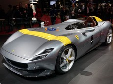 Chiêm ngưỡng bộ đôi siêu xe Ferrari Monza mà khách hàng chỉ được tậu 1 trong 2, không thể mua cả cặp