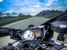 Vì sao tốc độ tối đa của những chiếc xe 2 bánh được giới hạn ở 299 km/h?