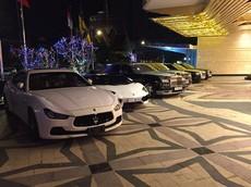 """Choáng với dàn siêu xe và xe Rolls-Royce biển """"tứ quý"""" xếp hàng dài tại casino Campuchia"""