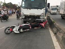 Sài Gòn: Xe tải đâm hàng loạt xe máy khiến 5 người thương vong