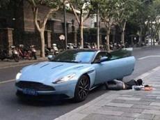 """""""Ngã sấp mặt"""" bên xe sang Aston Martin DB11, tiểu thư nhà giàu bị cảnh sát mời lên đồn"""