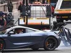 Phim ăn theo Fast and Furious tràn ngập cảnh đuổi bắt bằng siêu xe và siêu mô tô