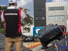 Thử thách offroad cùng Porsche Cayenne 2018