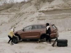 """Jeep tung ra video quảng cáo """"đá đểu"""" SUV cỡ trung Kia Sorento 2019"""
