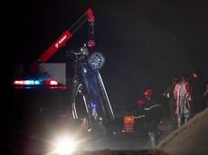 Người lái chiếc Mercedes-Benz GLC300 rơi xuống sông Hồng là một cô gái 21 tuổi