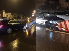 Hà Nội: Mercedes-Benz C250 Exclusive tông vào dải phân cách chân cầu Chương Dương