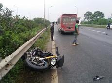 Biker đi xe phân khối lớn tử vong vì tai nạn trên Đại lộ Thăng Long