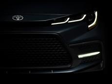 Diện kiến sớm Toyota Corolla Sedan 2020 với thiết kế đầu xe táo bạo hơn