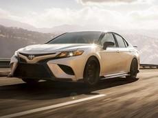 Toyota Camry TRD và Avalon TRD 2019 chính thức được vén màn với gầm hạ thấp như xe thể thao thực thụ