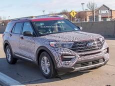 Ford Explorer 2020 lộ mặt khiến nhiều người liên tưởng đến Toyota Highlander đời cũ