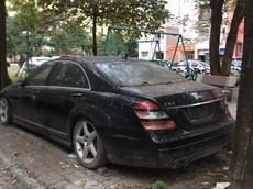 """Mercedes-Benz S63 AMG một thời là niềm mơ ước của nhà giàu Việt giờ lại bị """"bỏ rơi"""" không thương tiếc tại Hà Nội"""