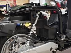 """Bỏ đi dàn nhựa, xe máy điện VinFast Klara có gì """"đặc sắc""""?"""