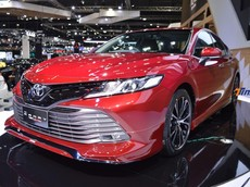 Toyota Camry Thái Lan trưng diện mạo hầm hố, đầy chất thể thao với bộ kit TRD Sportivo