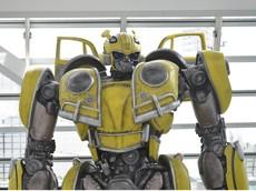 Người máy Bumblebee kích thước thật bất ngờ xuất hiện ở Triển lãm Ô tô Los Angeles 2018