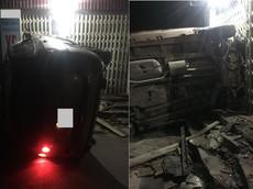Hà Nội: Hyundai Santa Fe tông vào cửa hàng mua bán trao đổi xe máy lúc rạng sáng, xe lật nghiêng