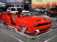 """Dodge Challenger độ thành """"xe trượt tuyết"""" với 797 mã lực là thứ ai cũng phải ao ước ở triển lãm Los Angeles"""