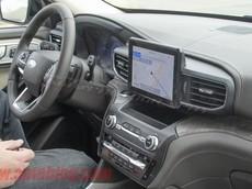 SUV 7 chỗ Ford Explorer 2020 lộ nội thất lột xác về thiết kế