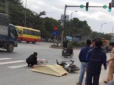 Va chạm với xe ô tô khách, nam thanh niên bị cán tử nạn tại Lê Trọng Tấn