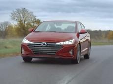 Người phụ nữ lái chiếc Hyundai Elantra trên quãng đường 1,6 triệu km trong 5 năm được tặng xe mới