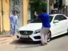Sự việc người phụ nữ đập phá xe Mercedes-Benz tiền tỷ kết thúc êm đẹp