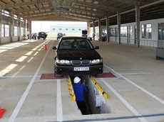 Đăng kiểm xe hybrid tại Việt Nam có gì khác với ô tô bình thường?