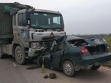 Nam Định: Daewoo Nubira II đối đầu xe đầu kéo, một cán bộ biên phòng tử vong tại chỗ