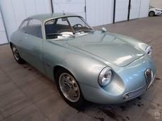 Chiếc Alfa Romeo Giulietta SZ nằm trong tầng hầm suốt 35 năm có giá lên đến 15 tỷ đồng