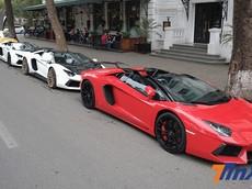 Dàn siêu xe Lamborghini hội tụ và khoe dáng trong nắng Hà Thành chiều 30 Tết