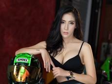 Chảy máu mũi với người đẹp Thái Lan sở hữu vòng 1 quá khủng bên Kawasaki Ninja