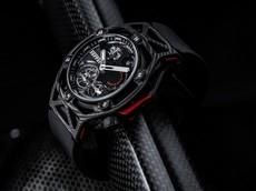 Carbon – Vật liệu siêu nhẹ, siêu bền của siêu xe cũng được ứng dụng trên những chiếc đồng hồ