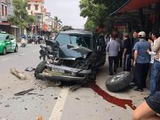 Hải Phòng: Toyota Land Cruiser bị hỏng nặng, gãy rời cả bánh trước trong vụ tai nạn liên hoàn