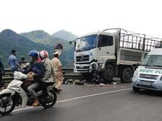 """Chạy lấn làn, """"phượt thủ"""" đi Honda Winner 150 lao vào đầu xe tải"""