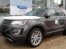Vừa hạ giá tiền phụ kiện, Ford Explorer bất ngờ tăng giá bán thêm 75 triệu đồng