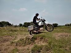 Royal Enfield tổ chức chạy thử xe ADV Himalayan tại track off-road khu vực Long Biên