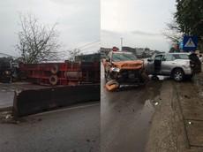 Thanh Hóa: Xe container tông liên hoàn Ford Ranger và Toyota Fortuner, 8 người thương vong