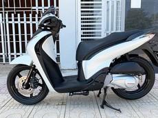 """Choáng với Honda SH nhập Ý đời 2012 biển ngũ quý 9 được """"hét"""" giá ngang xe ô tô Honda CR-V mới"""