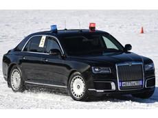 Xem cảnh Aurus Senat - xe chuyên chở Tổng thống Nga Vladimir Putin - drift trên cánh đồng tuyết