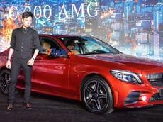 Ca sĩ Ngô Kiến Huy là người đầu tiên tậu Mercedes-Benz C-Class 2019 có giá hơn 1,7 tỷ đồng