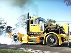 Gặp gỡ Filthy - Chiếc xe đầu kéo tự chế với 900 mã lực và... đốt lốp như siêu xe