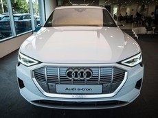 SUV hạng sang Audi e-tron chính thức được bán tại Đông Nam Á, giá từ 3,7 tỷ đồng