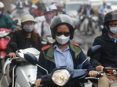 """Bụi mịn gây hại không khí Hà Nội """"chủ yếu từ khói xe"""""""