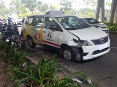 Xe taxi Vinasun nổ lốp, lạc tay lái tông trúng nam thanh niên chạy grab