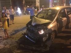 Lào Cai: Hyundai Getz tông gãy gốc cây, 1 người nhập viện